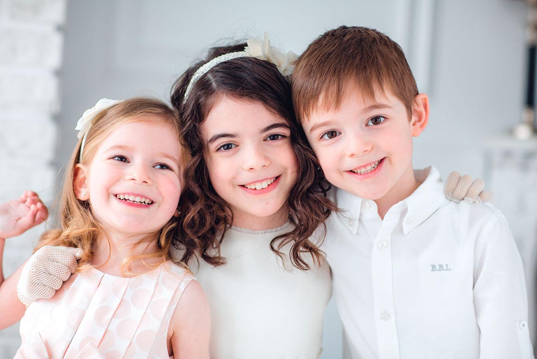 niños vestidos de comunión